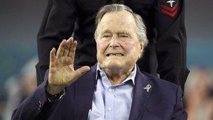 George H.W. Bush hastaneye kaldırıldı