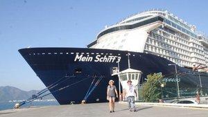 Mein Schiff 3 Marmaris'e demir attı