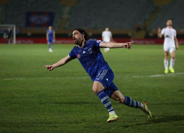 Mehmet Topuz futbolu neden bıraktı?