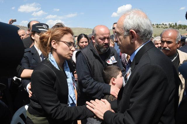 Kemal Kılıçdaroğlu Şehit pilot Dilaver Karsavuranoğlu'nun cenazesine katıldı