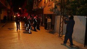 Adana'da yüksek sesle müzik kavgası polisi alarma geçirdi