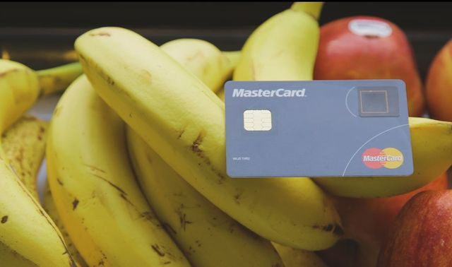 Parmak izi sensörlü kredi kartları geliyor