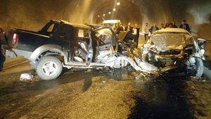 Artvin'de tünelde feci kaza: 3 ölü, 3 yaralı