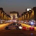 FRANSA'DA TERÖR SALDIRISI: 1 POLİS ÖLÜ, 2 POLİS YARALI!