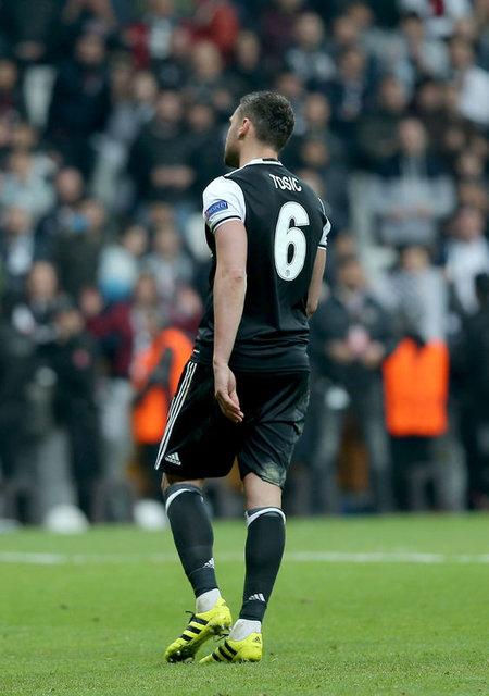Gökhan Gönül penaltı kullanmak istemedi, Tosic ve Mitrovic'e büyük tepki!