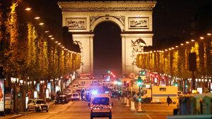 Fransa'da çatışma: 1 polis öldü, 2 polis yaralandı