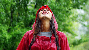 Nisan yağmurları demir içeriyor!