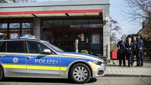 Almanya'da silahlı banka soygunu!