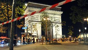 Paris saldırganının yanında bulunan not