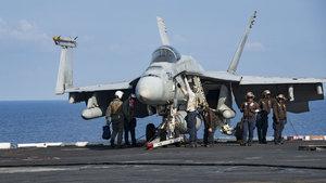 ABD savaş uçağı Filipinler açıklarında düştü