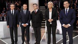 Fransız adaylarla ilgili haberlerden 4'te 1'i yalanmış!