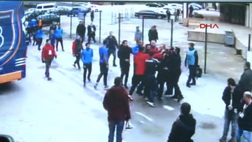 Gazetecilere saldırdılar