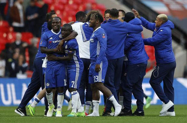 Chelsea: 4 - Tottenham Hotspur: 2
