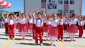 Liderlerden 23 Nisan kutlama mesajları