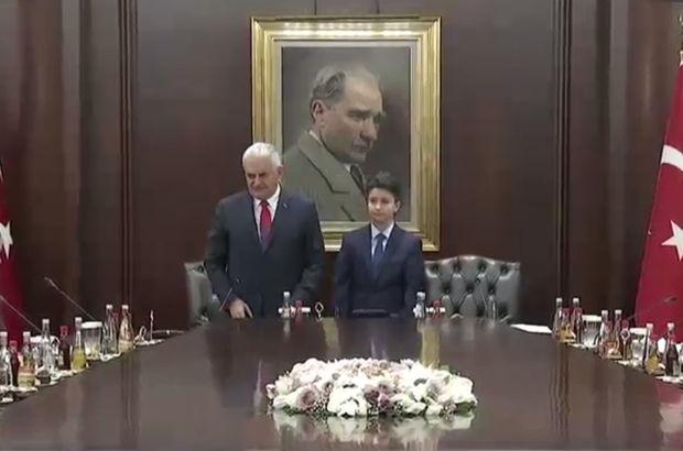Başbakan Binali Yıldırım ve Bakanlar 23 Nisan'da koltuklarını çocuklara devretti