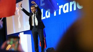 Fransa'da tarihi gece: 52 yıllık gelenek yıkıldı!