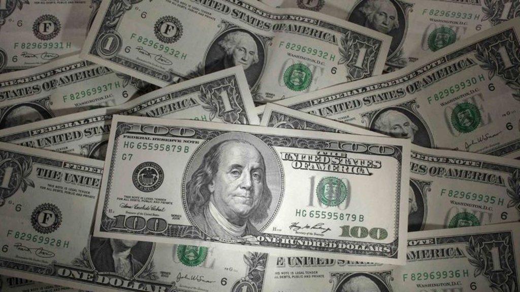 Dolarda düşüş durmuyor, kritik seviyeyi de kırdı
