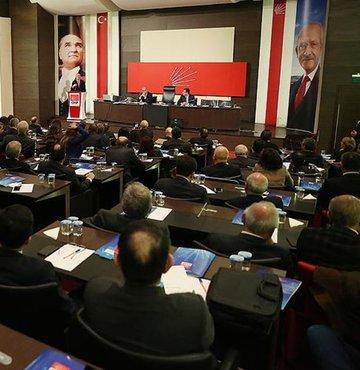 Toplantıda, en önemli gündem maddesinin, referandum sonrası CHP