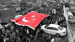 Şehit Turgut Kurtçu'yu, 500 nüfuslu köyde 5 bin kişi uğurladı