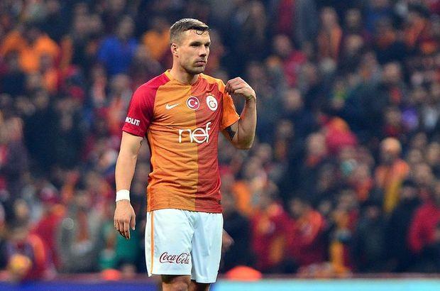 Lukas Podolski özür diledi