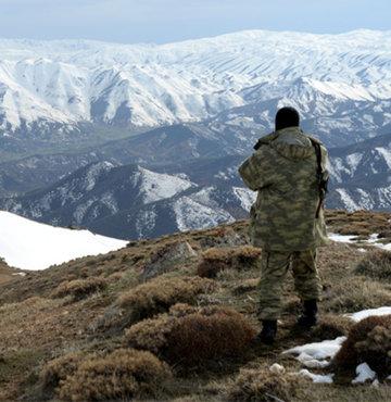 Terör örgütü PKK'ya yönelik Şırnak'ın Bestler Dereler bölgesinde süren operasyonda, örgütün üç elebaşısının kıstırıldığı öğrenildi