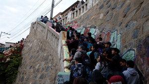 Şili 6.9'luk depremle sallandı!
