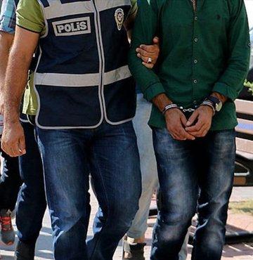FETÖ operasyonları kapsamında tutuklanan, gözaltına alınan ve görevden uzaklaştırılan kişi sayısı artmaya devam ediyor. 25 Nisan 2017 Salı günü operasyon haberleri