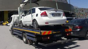 Ankara'da AVM'de şüpheli otomobil paniği