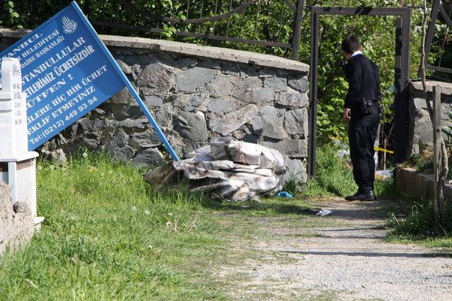 Sultangazi'deki mezarlık girişine bırakılan çuvaldan ceset çıktı
