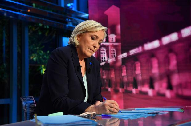 Le Pen taktik değiştirdi, onlardan oy istedi!
