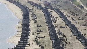 Güç gösterisi: ABD donanmasına karşı yüzlerce topçu!