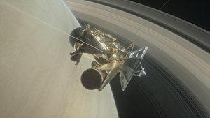 Cassini, Satürn ile halkaları arasına ilk dalışını yaptı