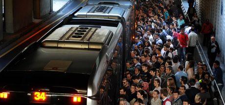 Metrobüs sapığının yaptıkları cezasız kalmadı!