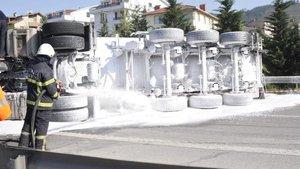 TEM'de alarma geçiren kaza! AFAD gaz ölçümü yaptı