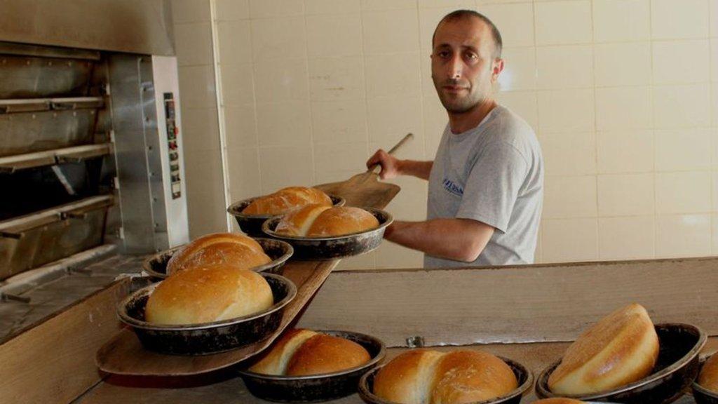 Ucuz ekmek satan fırıncıya şok