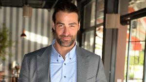 Sarp Levendoğlu: İlk görüşte aşka inanırım