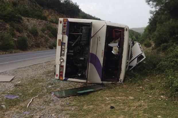 Antalyaspor taraftarını taşıyan otobüs devrildi