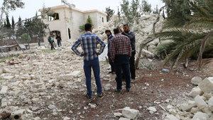 Suriye'de füze saldırısı 18 can aldı!