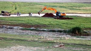Suriye sınırında askeri hareketlilik! Zırhlı araçlar için mevziler kazıldı