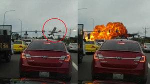 ABD'de küçük bir uçak alev alarak otoyola düştü!
