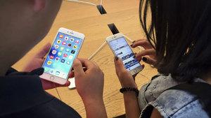 Apple'ın kârı arttı, satışları düştü