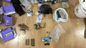 Mardin'de FETÖ şüphelisinin evinde, PKK ve DEAŞ materyalleri bulundu