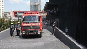 Maslak'ta plazada yangın! Çalışanlar tahliye edildi...