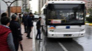 """Mersin'de yaşlı kadın belediye otobüsünde """"servet"""" unuttu"""