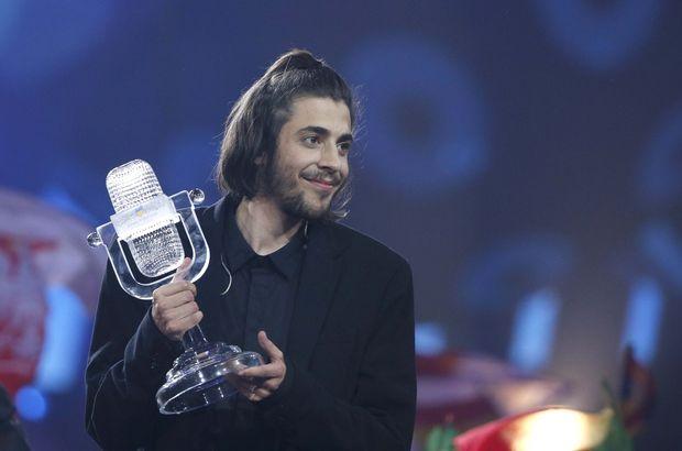 Ev sahibi Ukrayna'nın çekildiği Eurovision'da kazanan Portekiz oldu