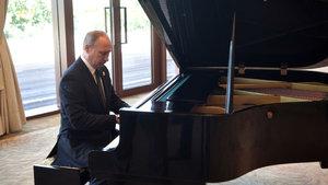 Putin, Çin'de piyano çaldı