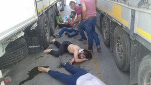 Yurt dışına kaçmaya çalışan teröristler bayılmak üzereyken yakalandı
