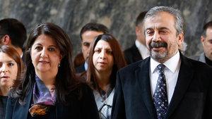 HDP'li vekiller AYM Başkanı Zühtü Arslan ile bir araya geldi