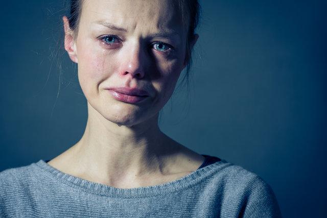 Başkasının gözyaşını silmek sakıncalı mı?