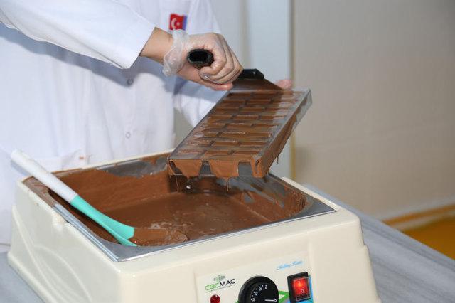 Çikolata eğitimi alan kadınlar iş kurmayı hedefliyor